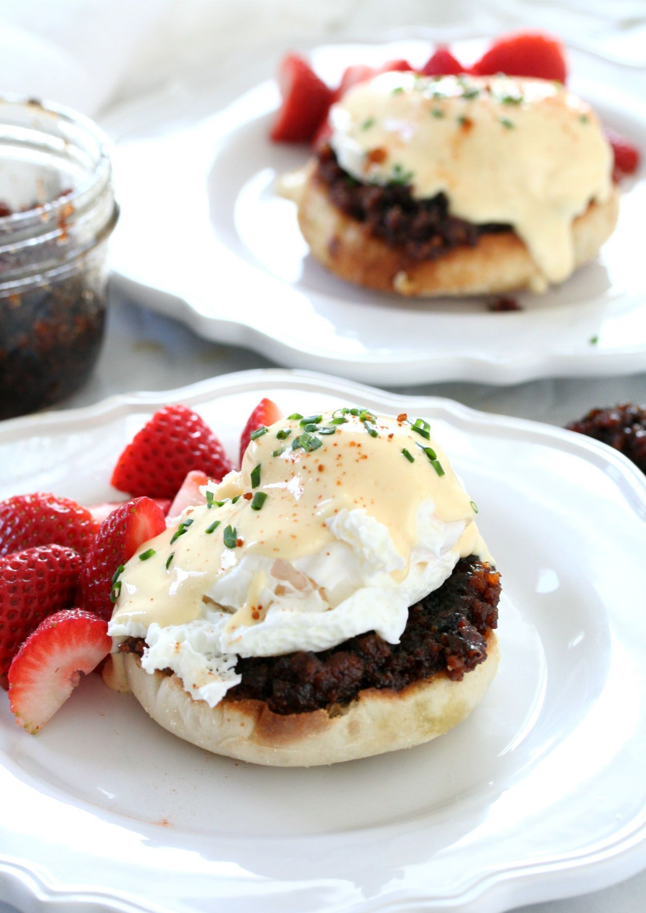 how to cook canadian bacon for eggs benedict