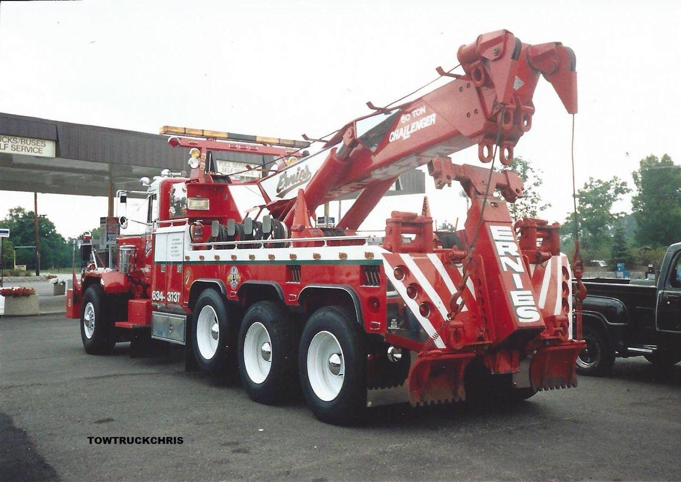 Ernie s wrecker service vernon hills il peterbilt w challenger 60 ton