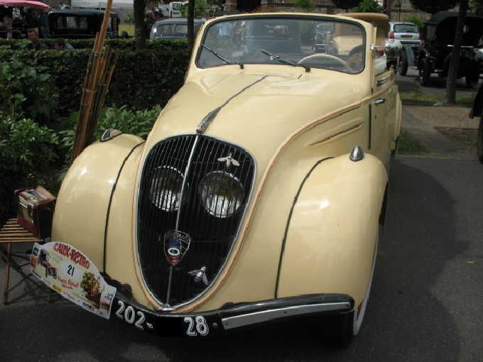 1939-1949 peugeot 202 cabriolet the protected position of the