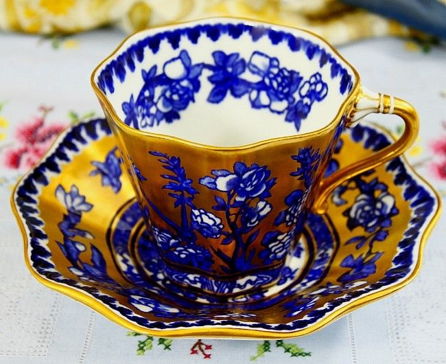[SOLD] Antique Coalport Ovington Brothers Cobalt Blue Gold Oversized Cup and Saucer (1881~1939) 영국 콜포트 오빙톤 브라더스 오버사이즈드 컵/소서