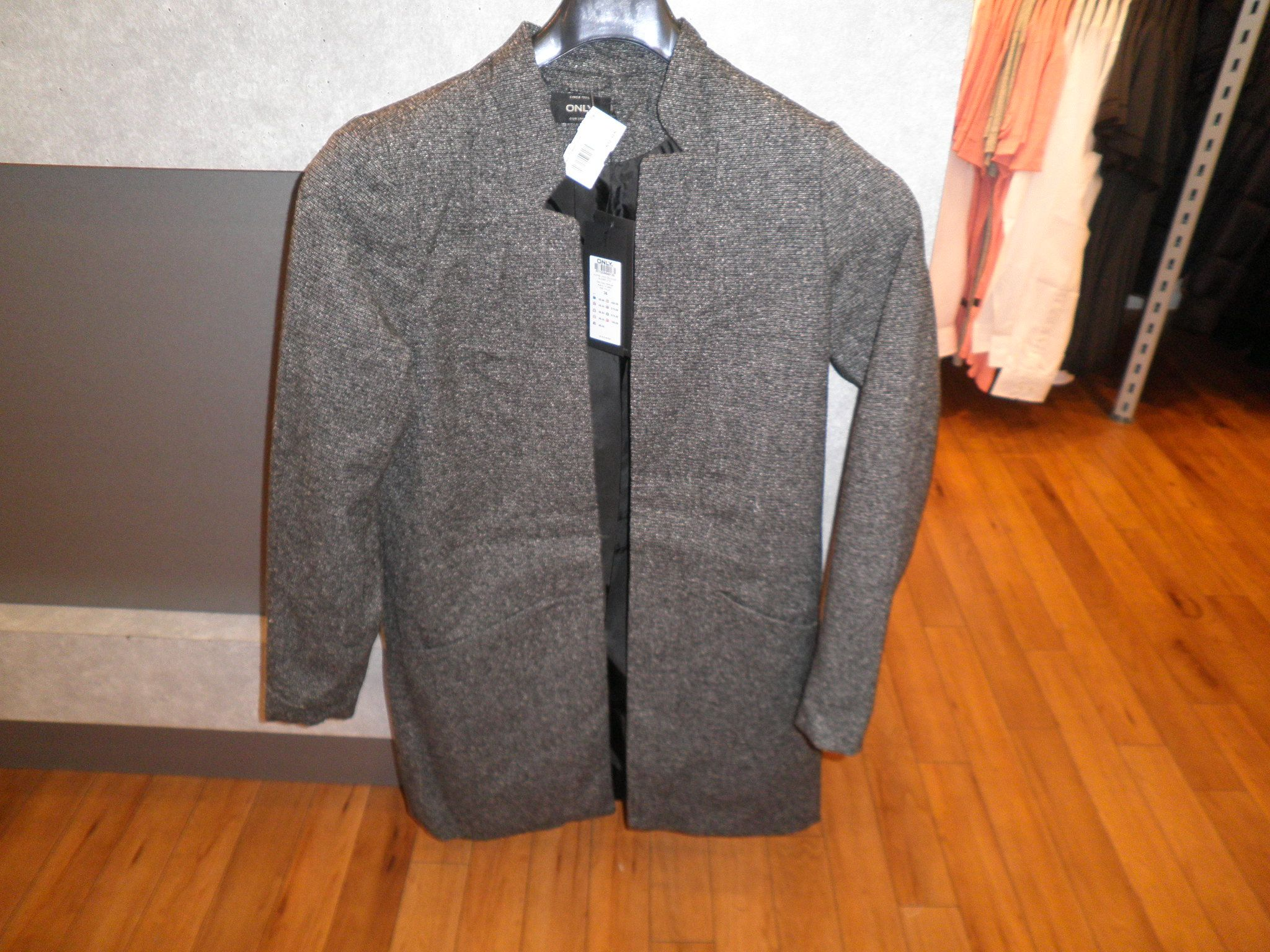 ONLY blazer lang model € 59.95