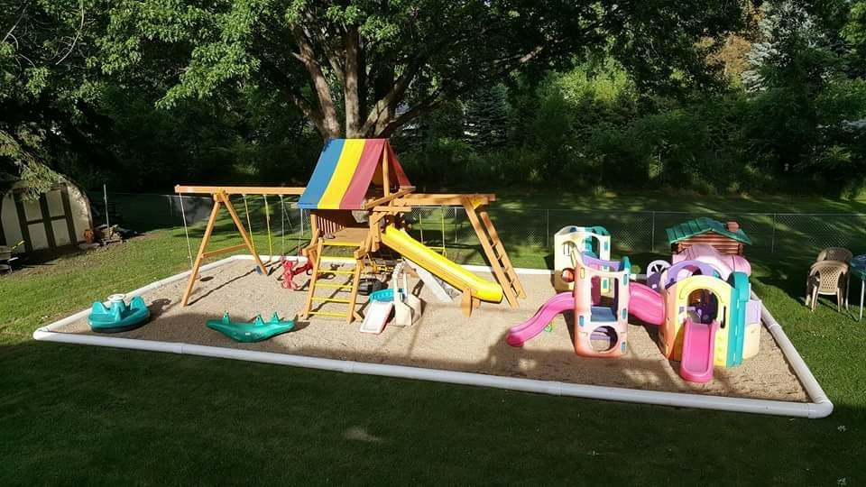 Pvc Pipes Were Used As Edging For This Playground Smart Thinking Playground Areas Outdoor Playground Kids Playground