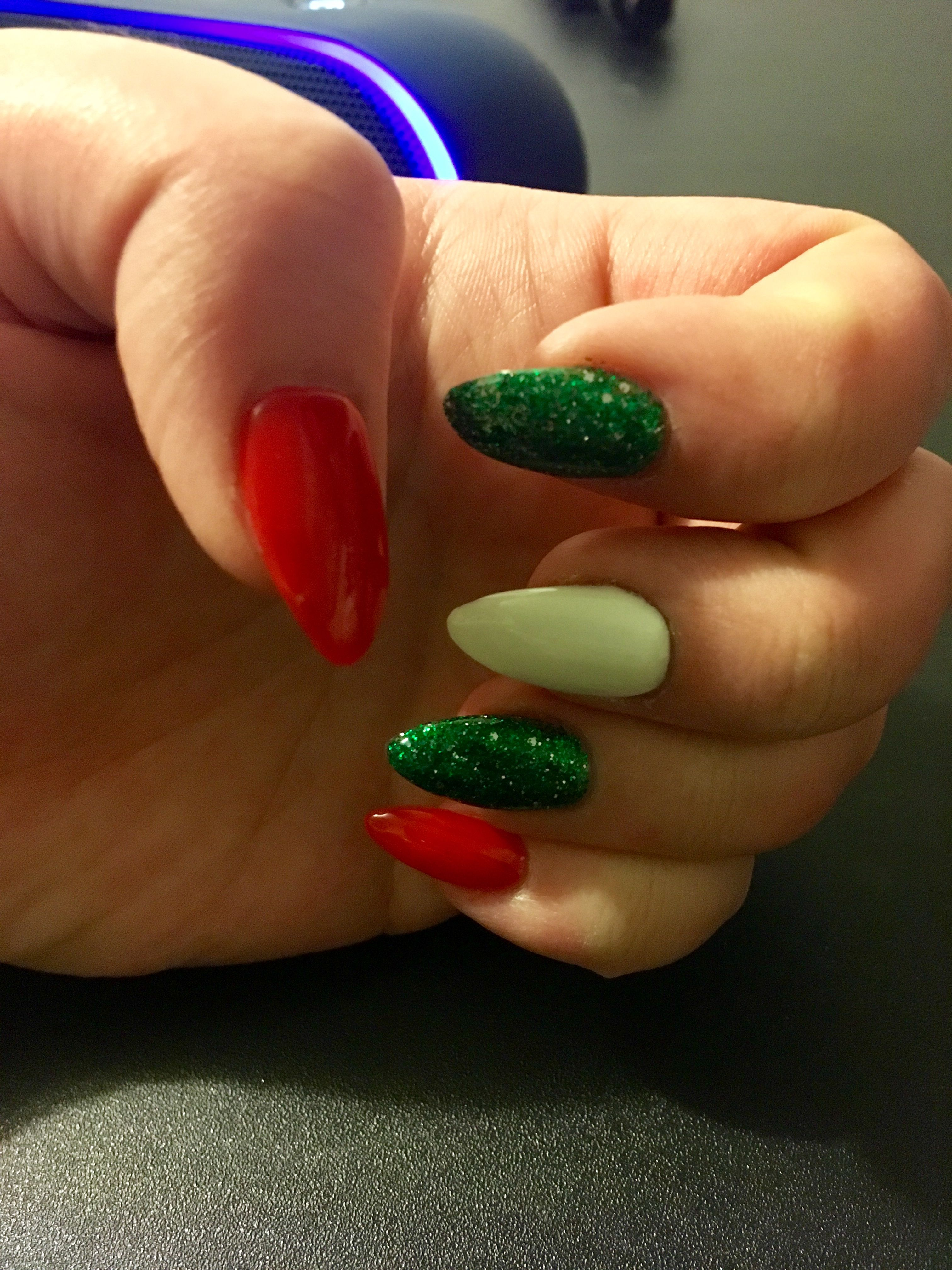 Christmas Nails Glitter Green White And Red Holiday Acrylic Nails Holiday Nails Glitter Christmas Nails Glitter
