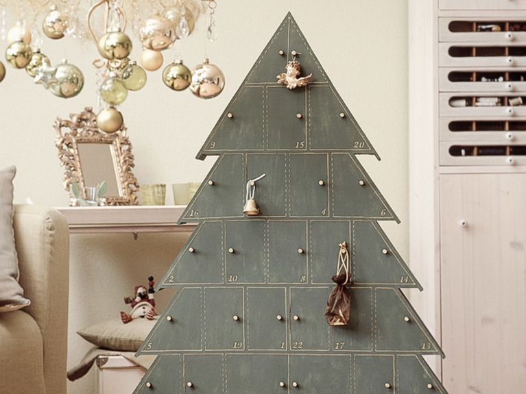 diy anleitung tannenbaum adventskalender aus holz basteln via adventskalender aus. Black Bedroom Furniture Sets. Home Design Ideas