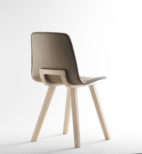 Chaise KUSKOA by Alki. #colorevolution | Stackable chairs