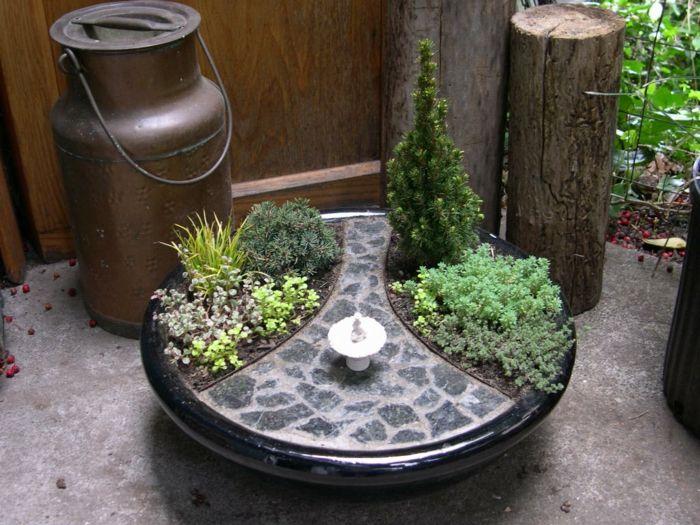 deko mini garten elegante gartengestaltung brunnen   balkon, Gartenarbeit ideen