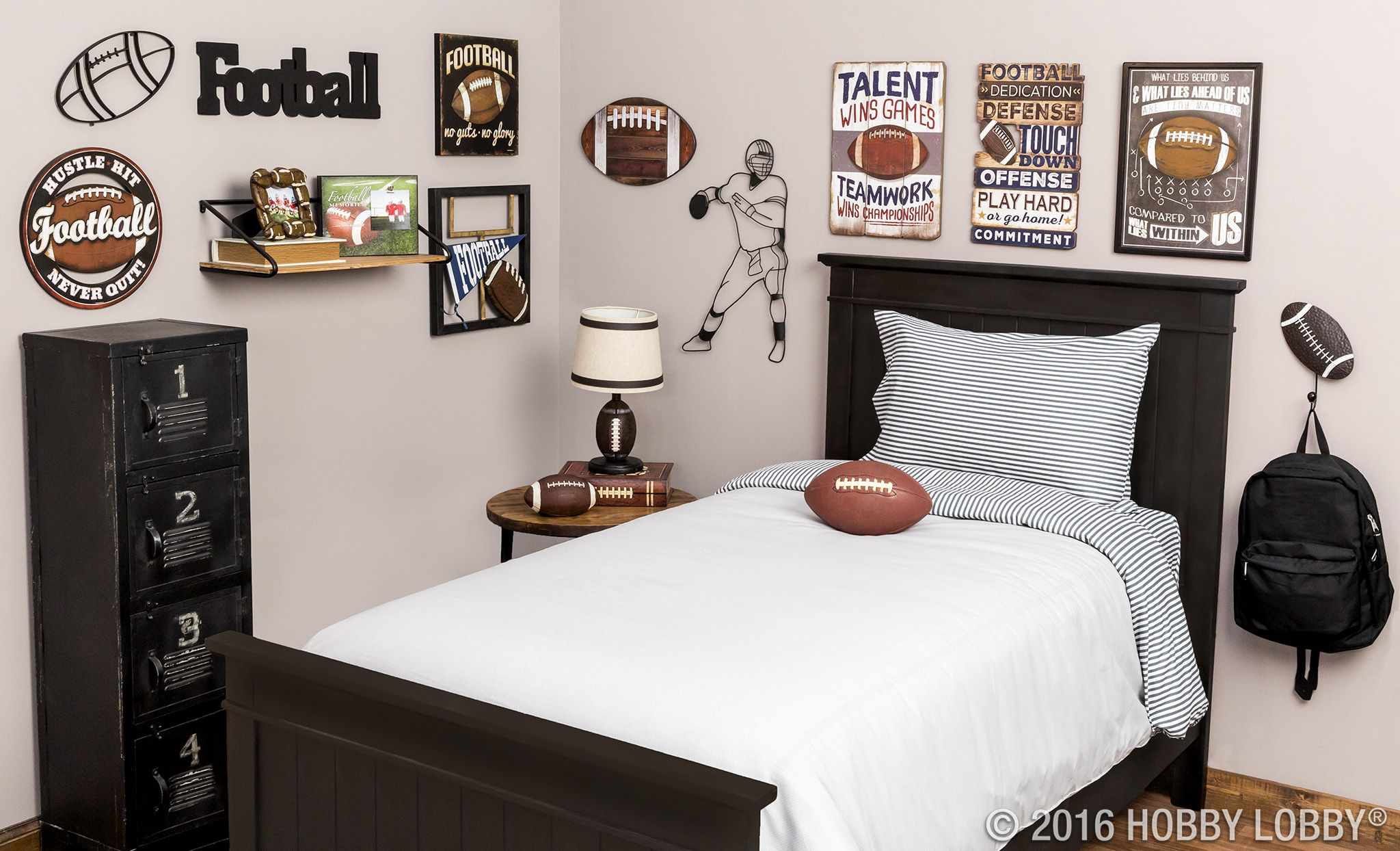 Score A Major Win With Your Football Fan Tackle Their Bedroom