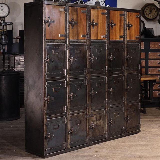 Meuble Industriel Vintage De Renaud Jaylac Antiquites Design Meubles Industriels Ameublement Industriel Vintage Industriel Vintage