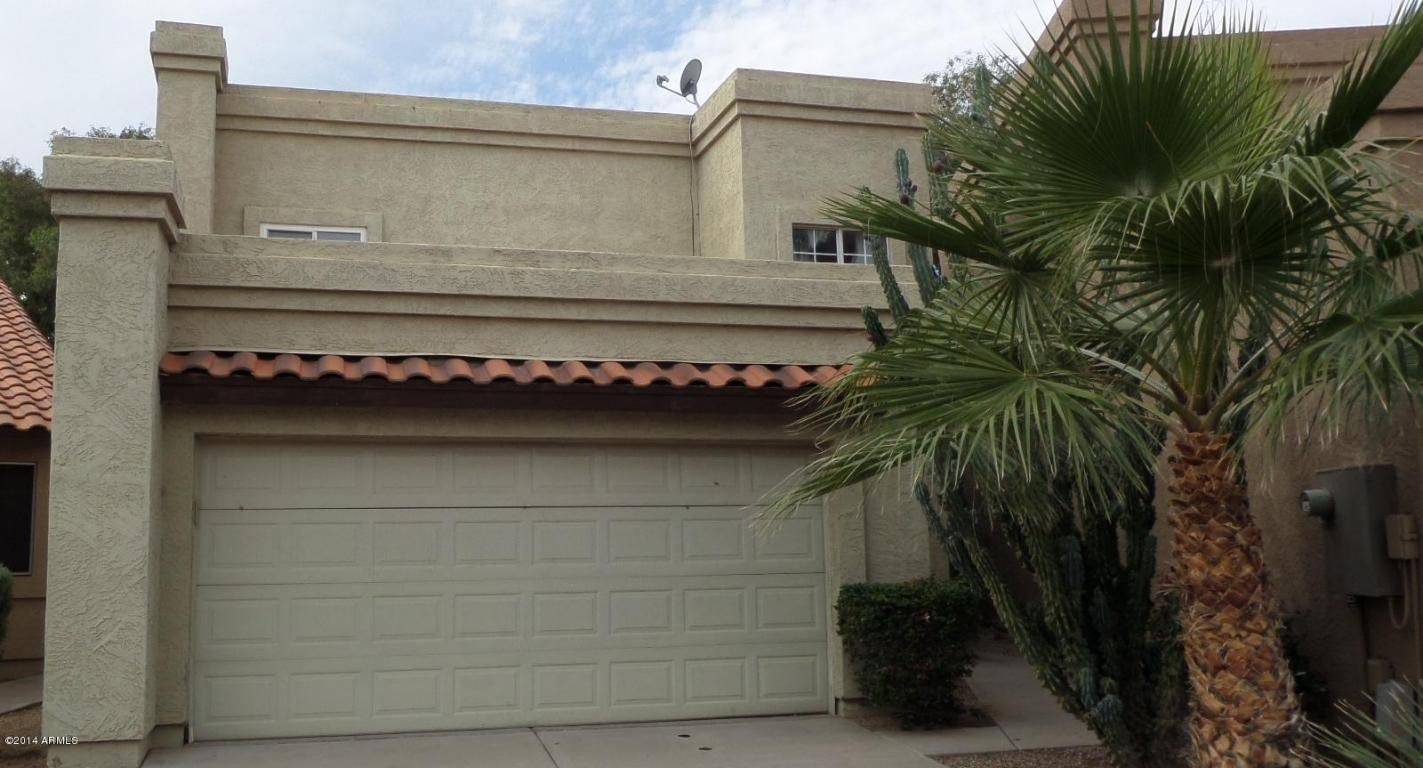 Spacious, open, 3 bedroom, 2.5 bath home for sale in conveniently located in small well-maintained complex of Desert Springs Estates in Mesa. See more of 1229 N ALMA SCHOOL Road #2, Mesa, AZ 85201 at www.DesertDreamRealty.com - Desert Dream Realty #realestate #mesahomeforsale #DesertDreamRealty
