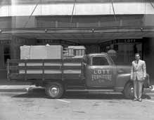 Merveilleux Lott Furniture Co. Truck