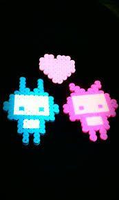 Resultados de la Búsqueda de imágenes de Google de http://fc06.deviantart.net/fs71/i/2012/022/3/4/perler_bead__robots_by_lovely15me-d4nbmb7....