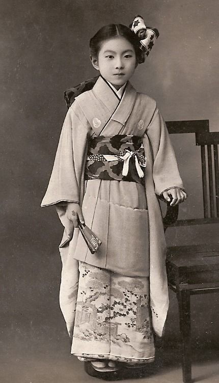 "thekimonogallery: "" Girl in kimono. First half 20th century, Japan. Image via chickeyonthego on Flickr """