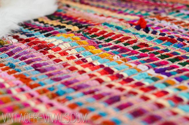 Chindi Licious How To Make A Huge Rug Out Of 6 Smaller Ones Vintage Revivals Huge Rugs Diy Rug Rag Rug