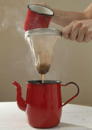 Resultado de imagem para café no bule
