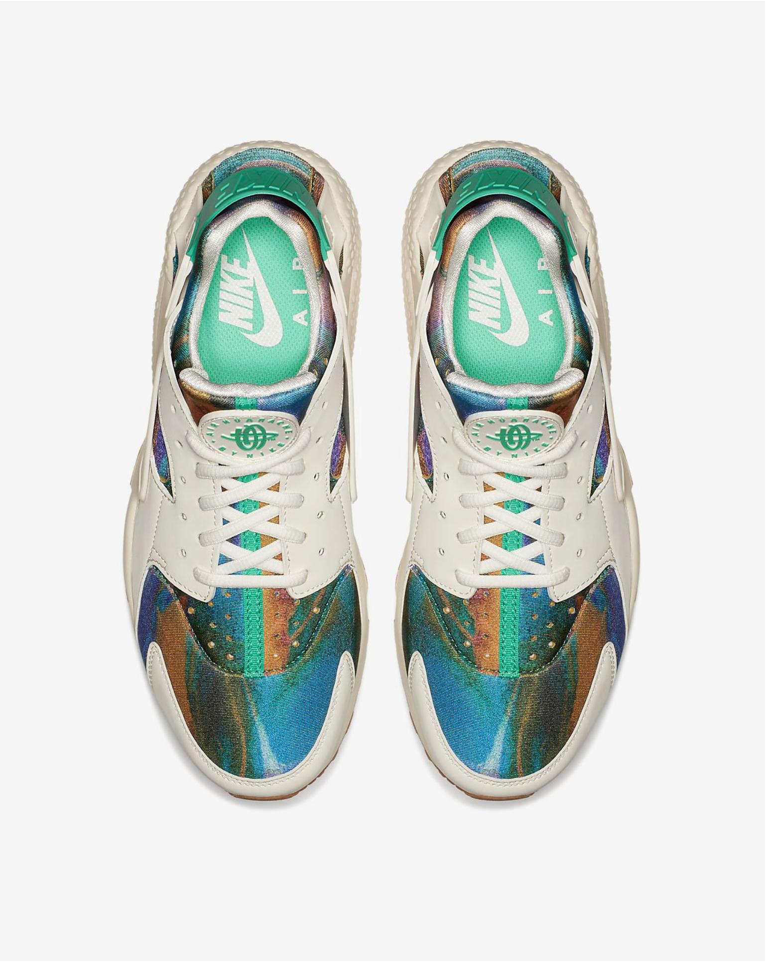 super popular 5d054 943df Mens Sneakers   NIKE – AIR HUARACHE RUN PRINT IN HYPER CRIMSON –  120 USD.