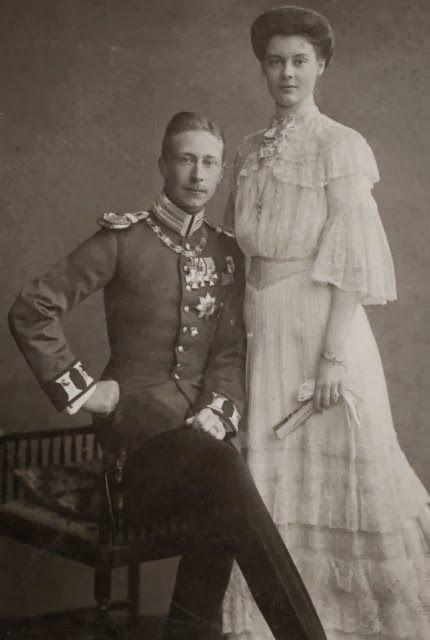 Kronprinz Wilhelm Und Kronprinzessin Cecilie Von Preussen Nee Herzogin Von Mecklenburg Schwerin Mecklenburg Schwerin Preussen Viktoria Luise