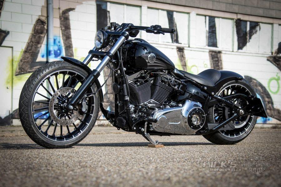 Awesome custom bike Harley-Davidson Softail Breakout Vance