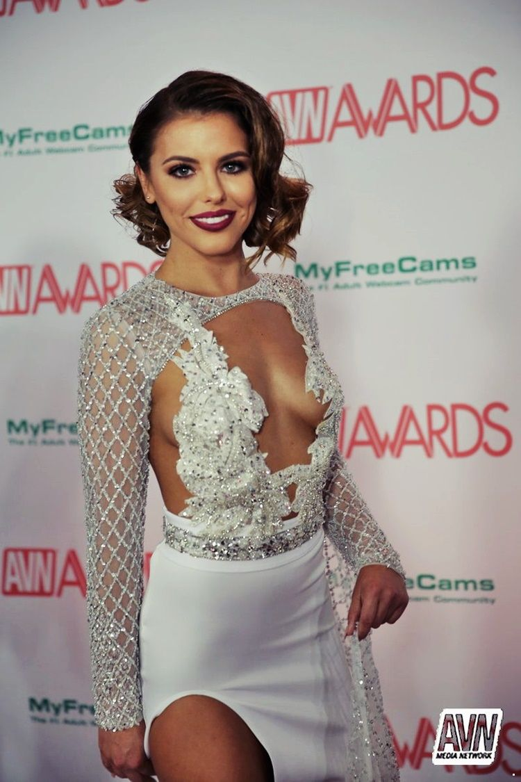 adriana chechik 2018 avn awards: red carpet pics | adriana check