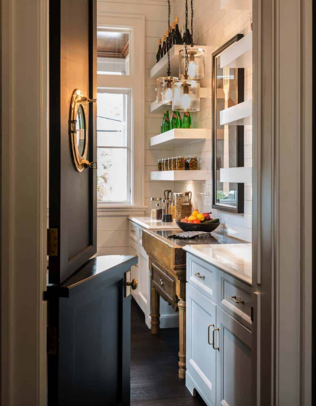 Modern Meets Traditional In This Inviting Lowcountry River House Butler Pantry Kitchen Butlers Pantry Pantry Design
