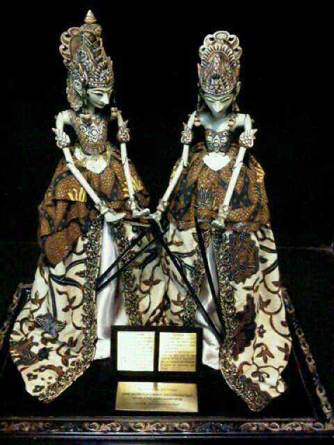 rama shinta dodot beautiful toys wooden puppet statue pinterest