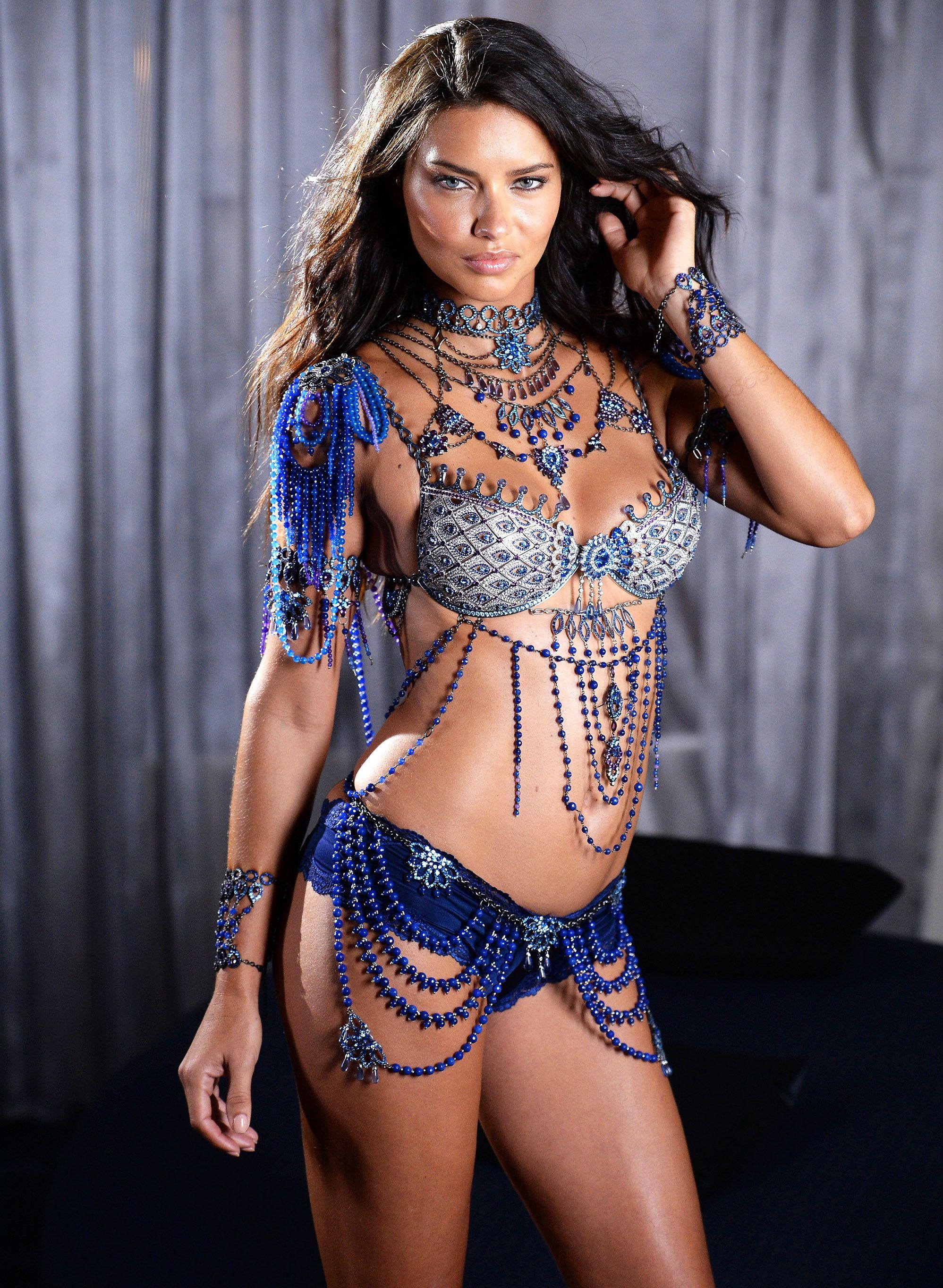 Резултат слика за adriana lima fantasy bra