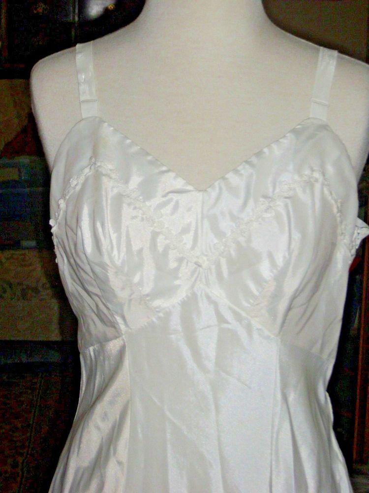 da08ccdb5a8 Authentic Vintage KAYSER Antron Nylon Ladies full dress slip Size 36 Side  zipper  Kayser  Slip