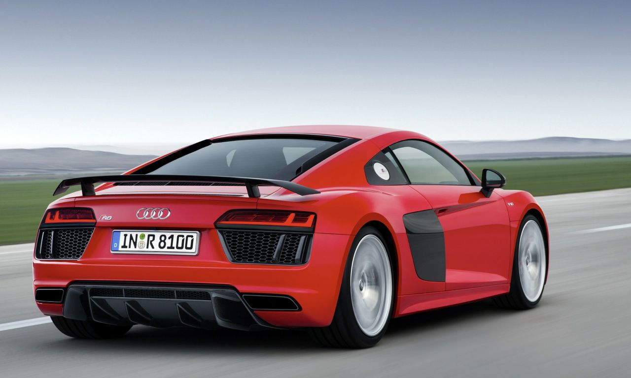 A fixed carbon fiber rear spoiler distinguishes the 2017 audi r8 v10 plus from the