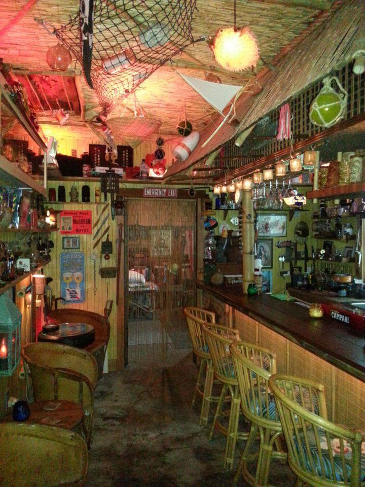 Home Tiki Bar Near the Original Trader Vic\'s: 65th Street Revival ...