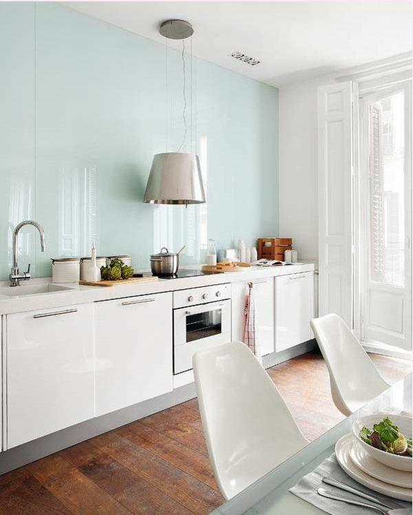 Küchenrückwand aus Glas - der moderne Fliesenspiegel sieht so aus - ideen fliesenspiegel küche