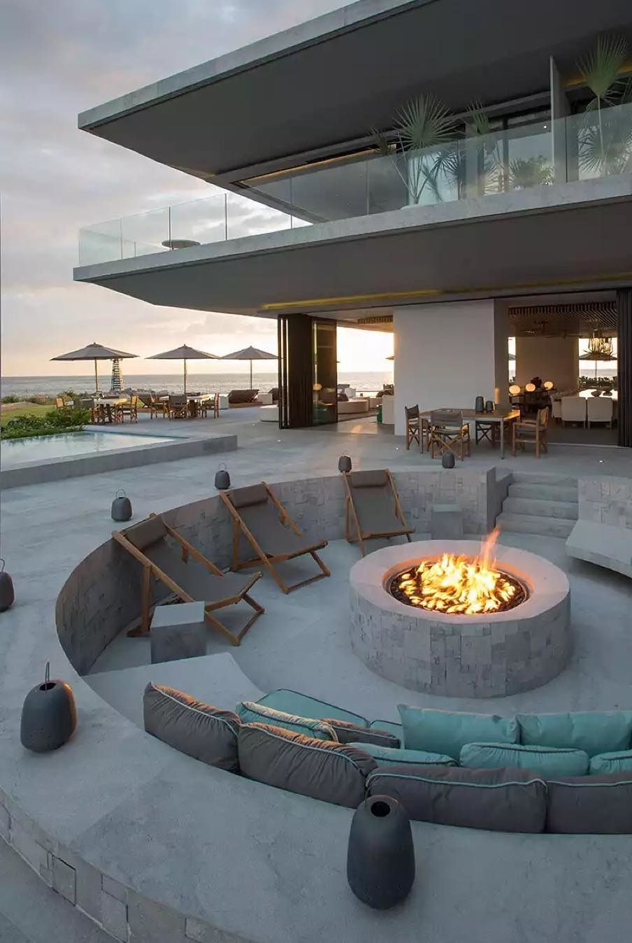 10 Awesome Backyard Ideas For Fire Pit Landscaping Kukun Dream House Exterior Modern Architecture House Exterior Design