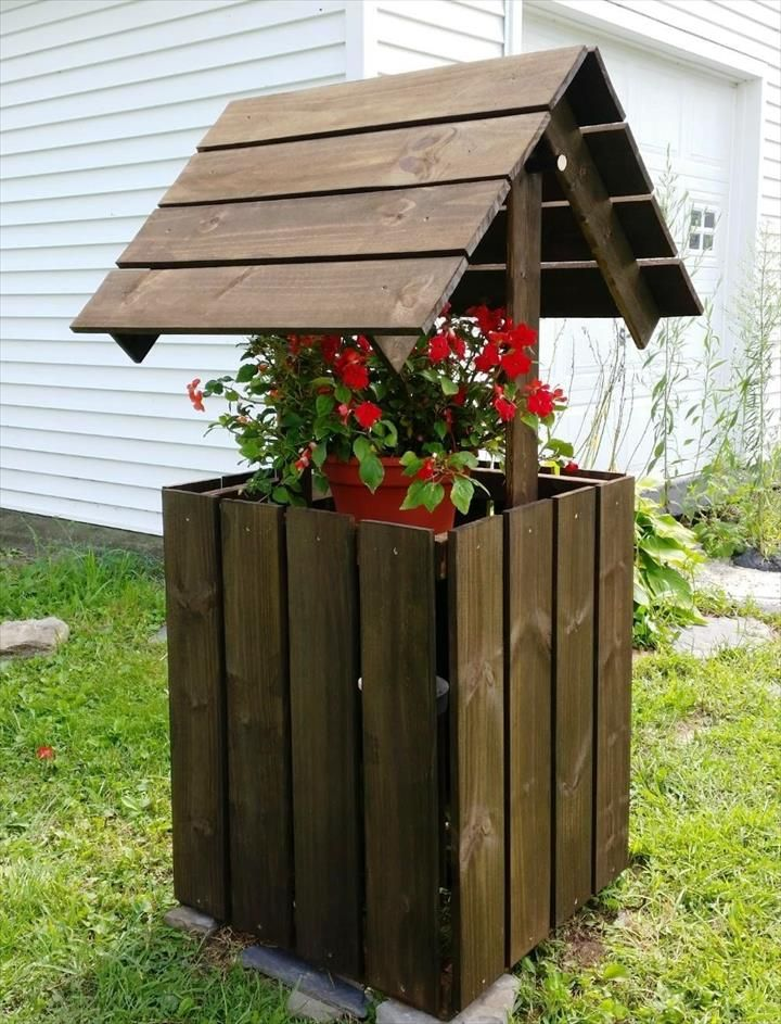 Build Easy Pallet Wishing Well   101 Pallet Ideas