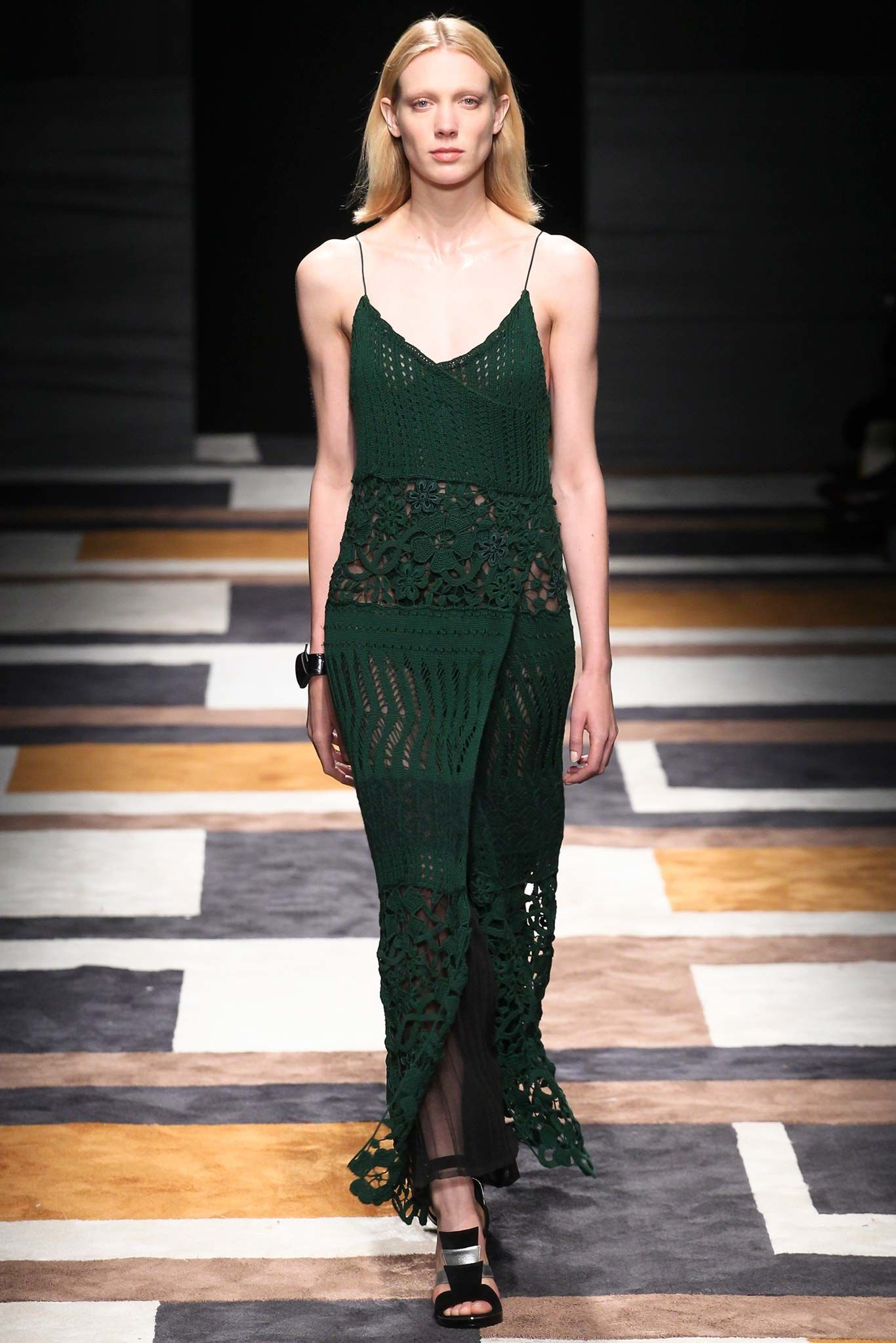Salvatore Ferragamo Fall 2015 Ready-to-Wear Fashion Show - Annely Bouma
