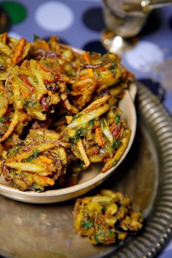 باكورا الخضار الهندية من سمر أبوب Vegetable Pakora Indian Food Recipes Recipes Food