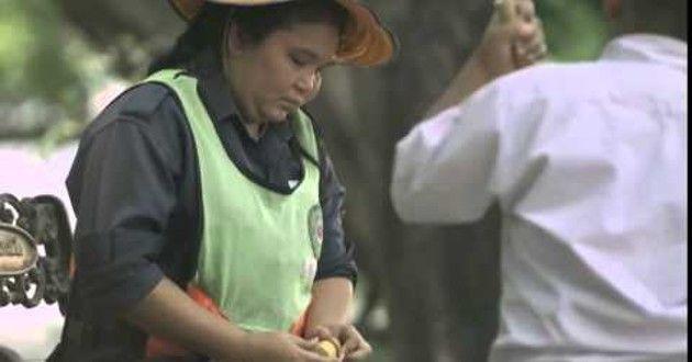 Vídeo: Lo que este niño hace por su madre te hará llorar