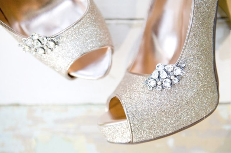 papo serio demulher: A sandália certa para o casamento em dias quentes