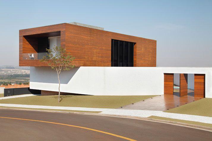 LA House by Studio Guilherme Torres | Yatzer