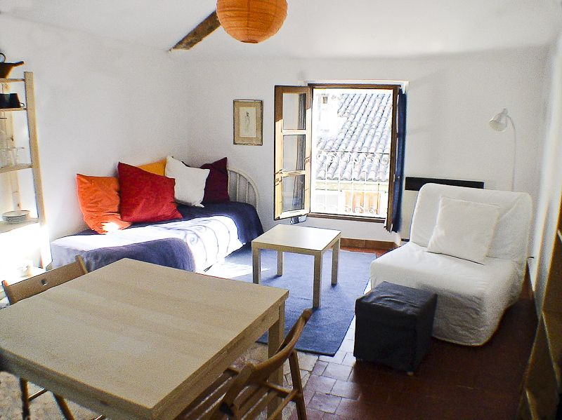 Le Coulet - a holiday rental apartment in southern France. This is a view of the living room.