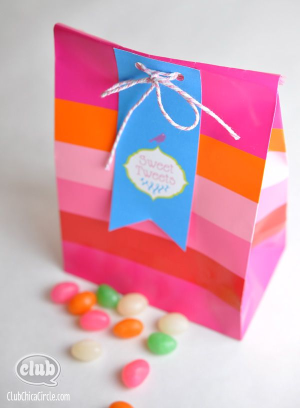 Spring and Easter Paper Bag Printing Ideas (with Free Printables) | Tween Craft Ideas for Mom and Daughter