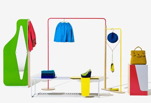 United Colors of Benetton is well known for their brightly colored attire, so of course they needed a display system that matched their fun sense of style. Created by Fabrica, the research group for Benetton, Object Coloré is a modular shelving and display system designed to complement the product its meant to showcase.