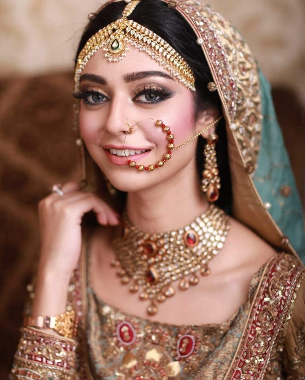Pin by Farhananewaz on Anushka in 2020 Bengali bridal