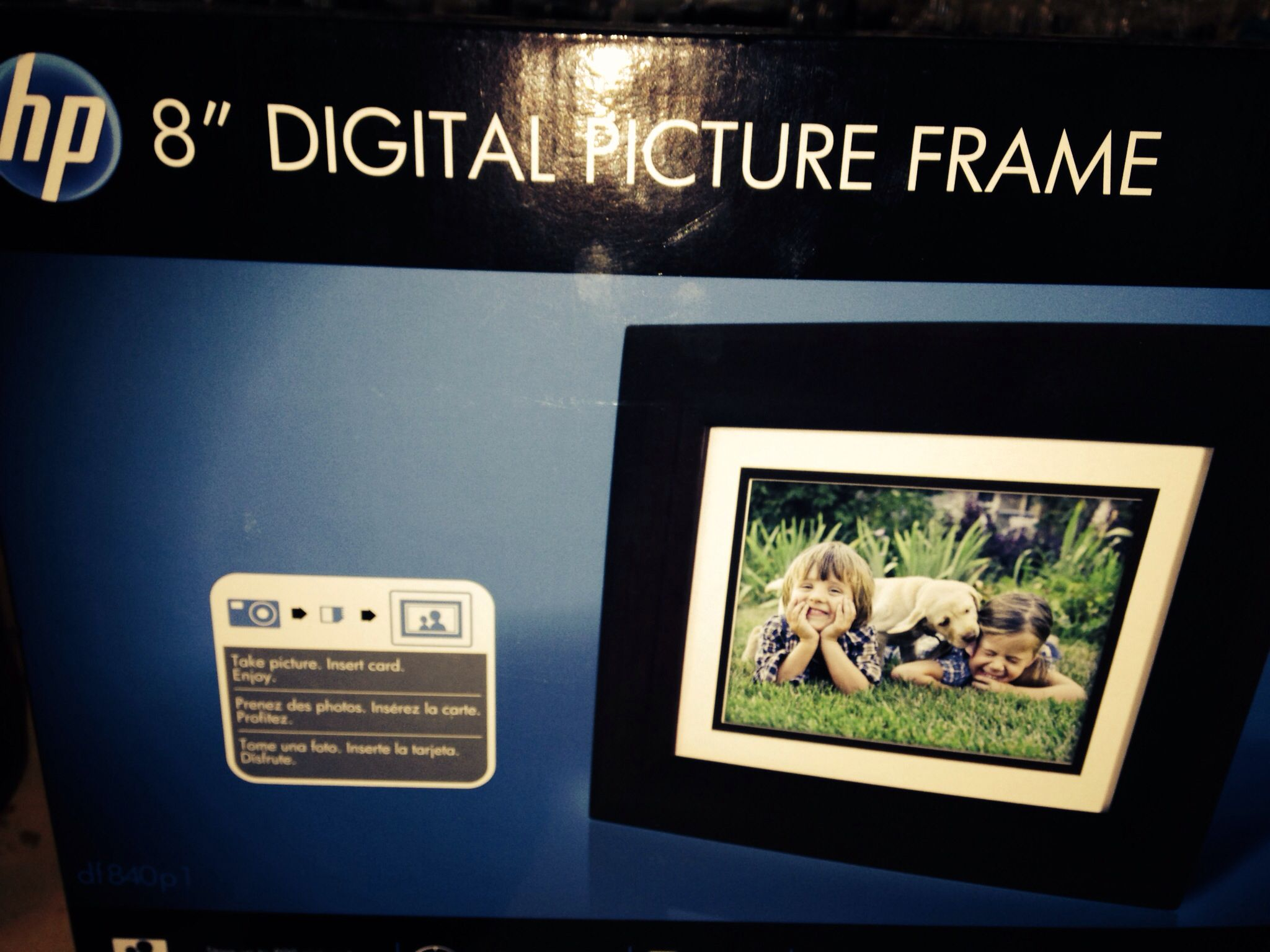 """Perfect gift!  HP digital picture frame 8"""".  $41"""