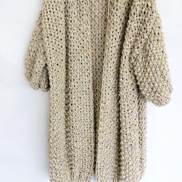 Golden summer knit 😍😍#kirobykim #chunkyknits #cardigan #handmadeinrotterdam #handknit