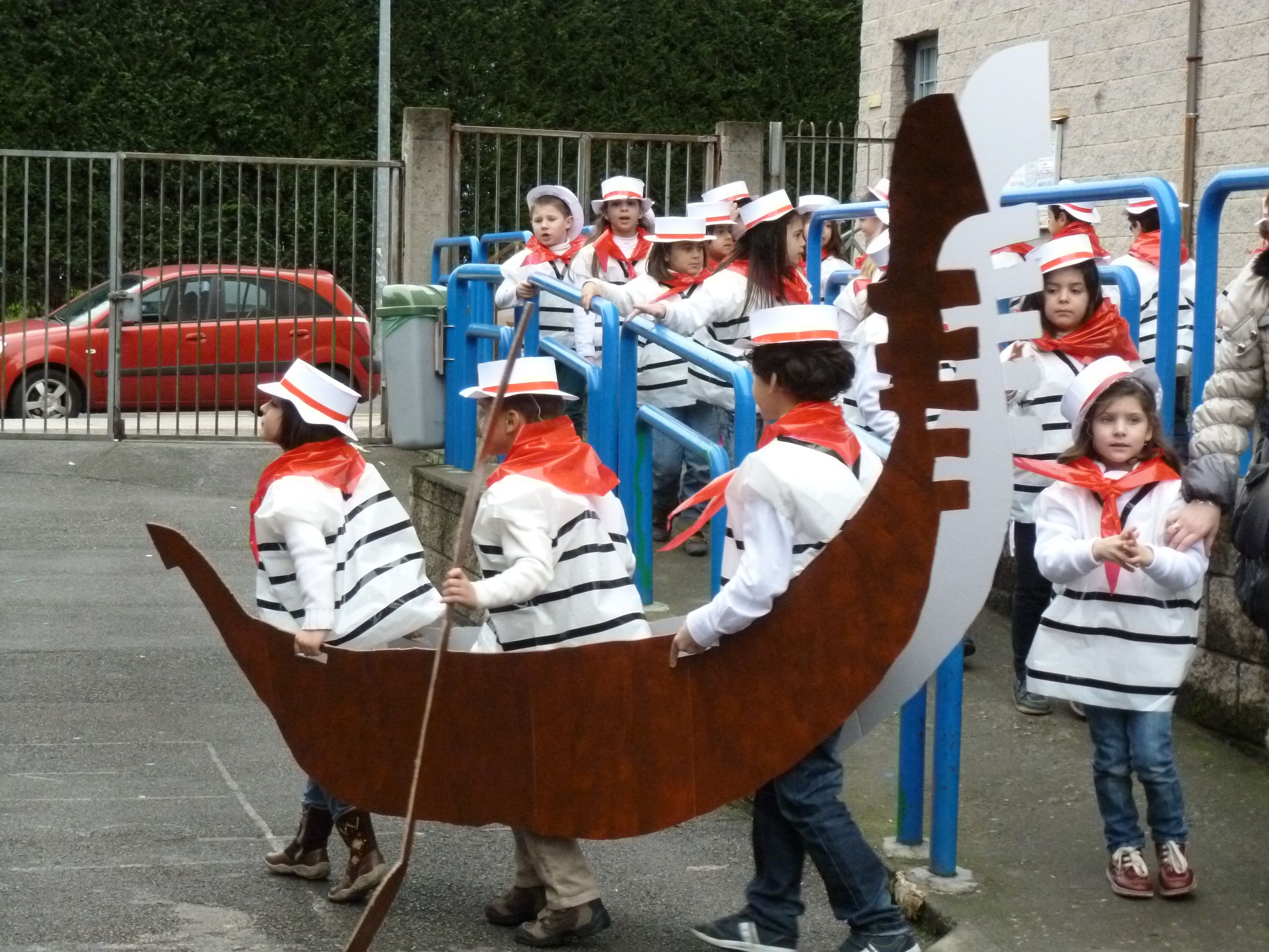 Gondoleros de Venecia.  02ed473e79d