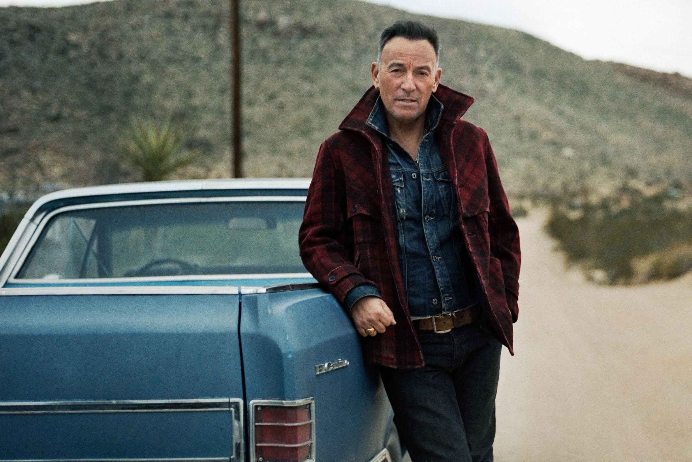Bruce Springsteen Writes New E Street Band Album, Plots