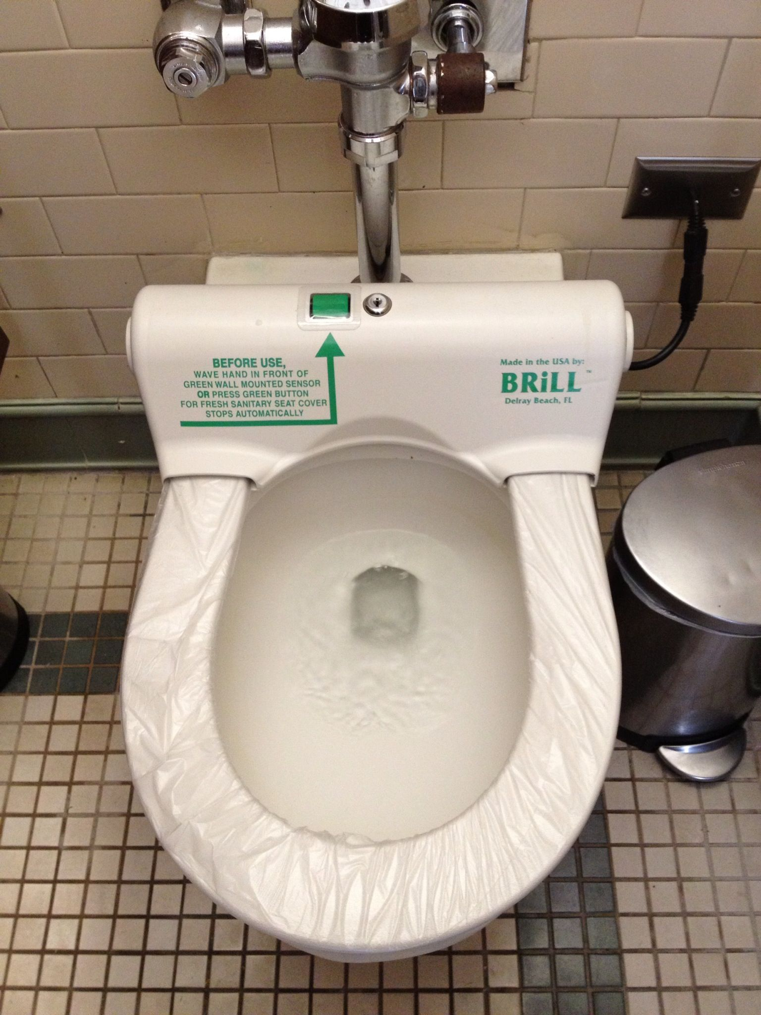 Plastic Toilet Seat Cover That Automatically Changes After Each