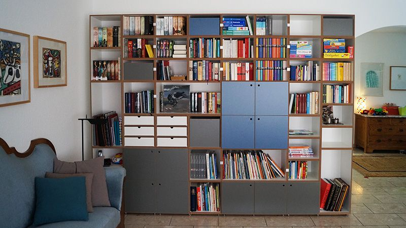 w rfelregal mit t ren b cherregal stocubo regal pinterest regal regalsystem und t ren. Black Bedroom Furniture Sets. Home Design Ideas