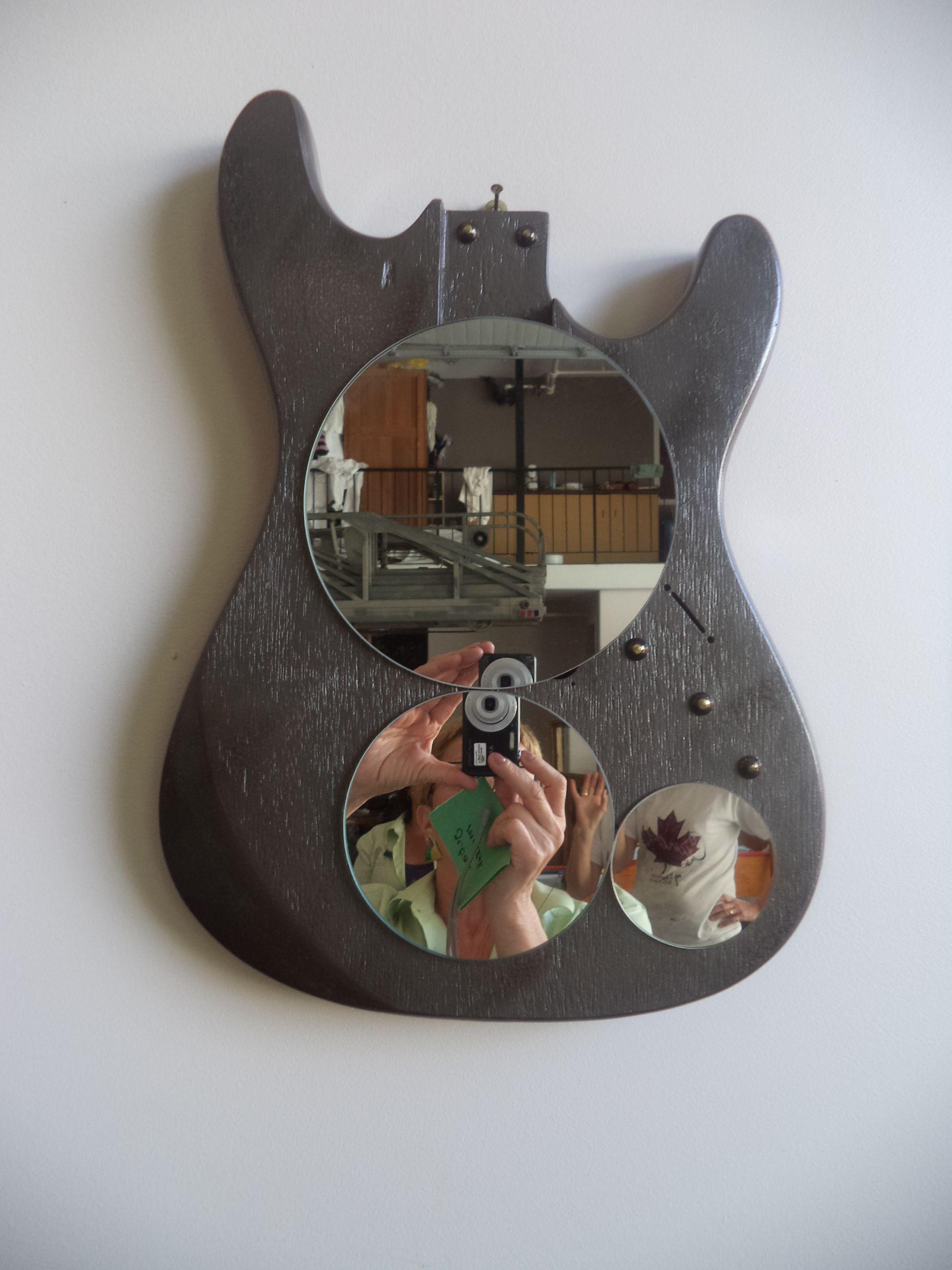 Guitar Art Very Cool Idea If You Have A Broken Guitar Lying Around Skull Wall Decor Large Wall Clock Decor Washi Tape Wall Decor