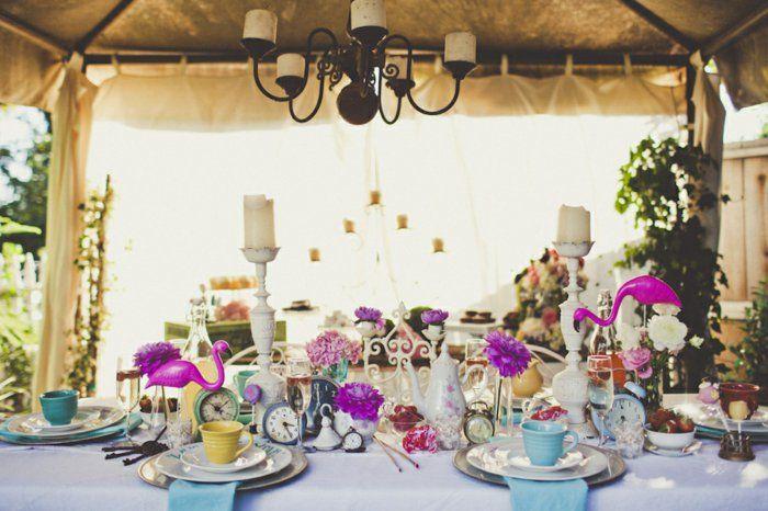 alice au pays des merveilles disney film qui inspire d co festive couples heureux mariage de. Black Bedroom Furniture Sets. Home Design Ideas