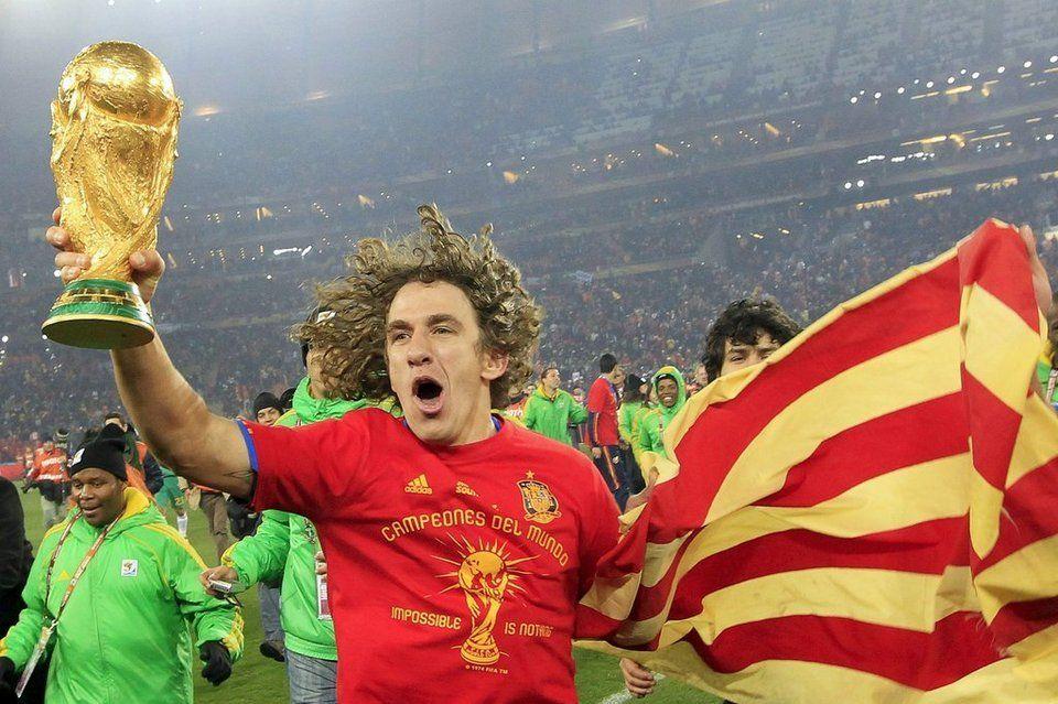 Carles Puyol Una Vida En Azulgrana Carles Puyol Seleccion Española De Futbol Fotos De Fútbol
