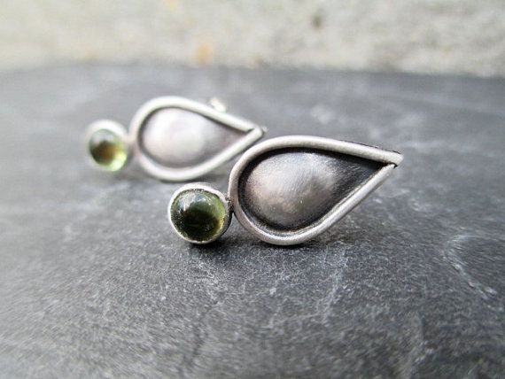 Hey, I found this really awesome Etsy listing at http://www.etsy.com/listing/164785609/peridot-sterling-teardrop-earrings